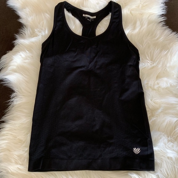 Forever 21 Stretchy Racerback Workout Tank Small